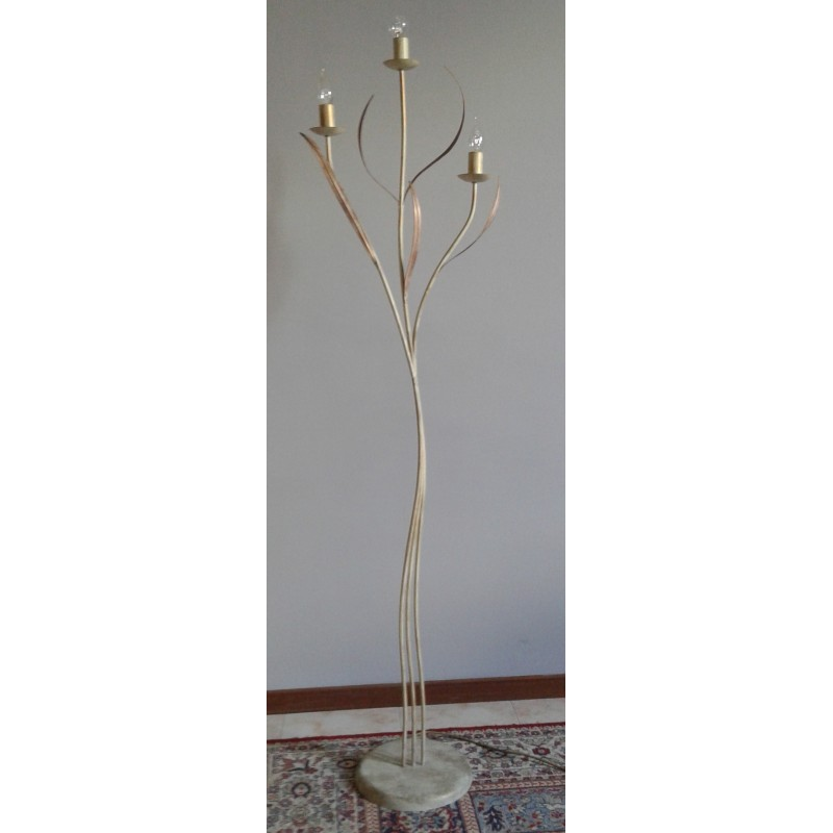 https://www.vaccarielettrocasa.it/4003-thickbox_default/lampada-piantana-a-candelabro-lampada-a-vista.jpg
