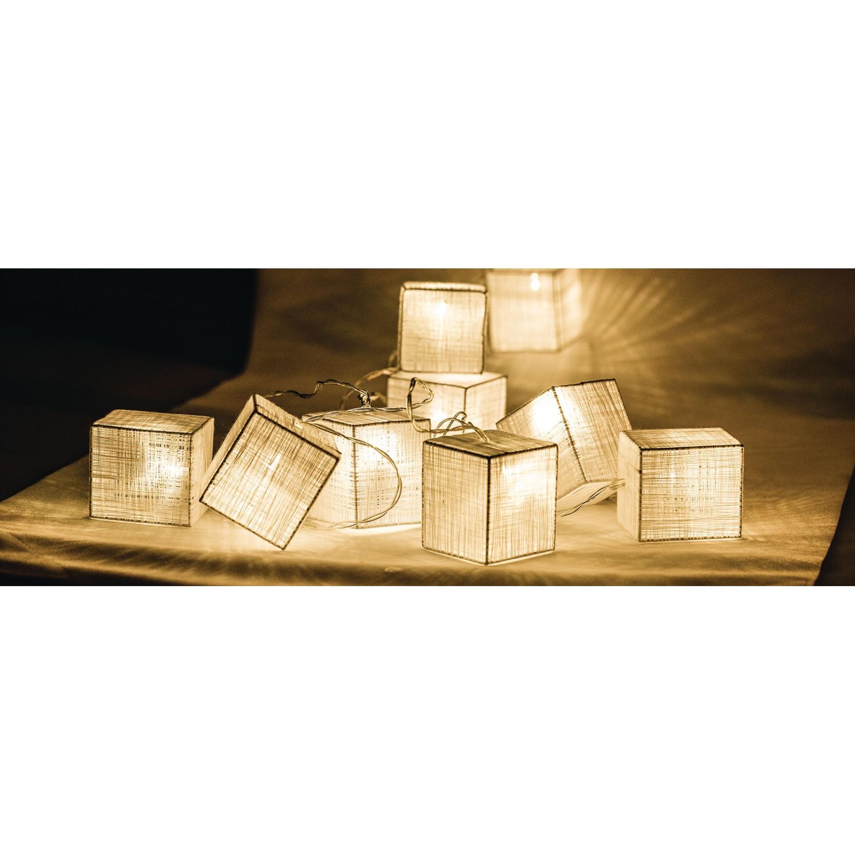 fila di luci led quadrate bianche a batterie hq